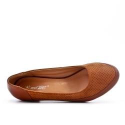Comfort shoe camel with small heel
