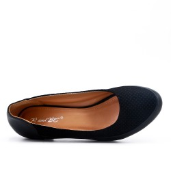 Comfort shoe black with small heel