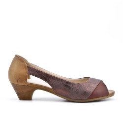 Brown comfort shoe in faux leather