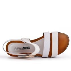 Sandale compensé blanche à semelle confort