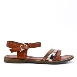 Sandalia plana de cuero marrón