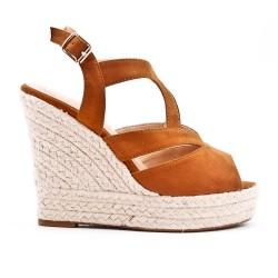 Sandale compensée camel en simili daim