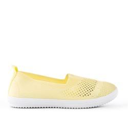 Chaussure jaune en textile extensible