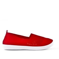 Chaussure rouge en textile extensible