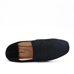 Black moccasin in faux suede