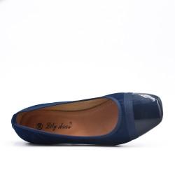Bailarina azul de dos materiales