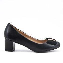 Escarpin noir en simili cuir à petit talon carré