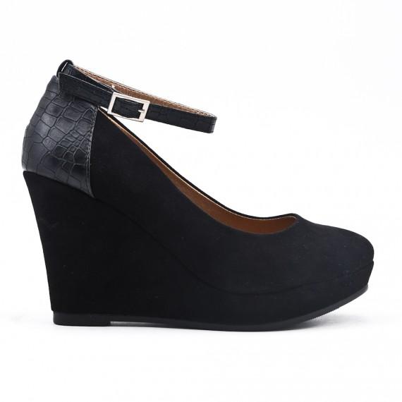 Black wedge heel pump