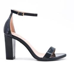 Sandale noir en vernis à talon
