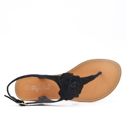 Black flat sandal with flower
