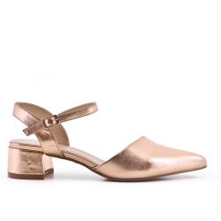 Pointed chamapgne pumps in imitation leather with small heels