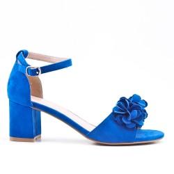 Sandale bleu en simili daim à fleur