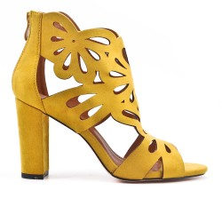 Yellow suede faux pump with flower pattern