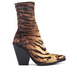 Printed heel boot