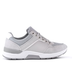 Gray sneaker with lace