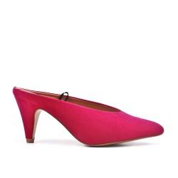 Zapatos de tacón de ante fucsia con tacón