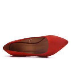 Escarpin rouge en simili daim à petit talon