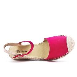 Sandale compensée fushia en simili daim