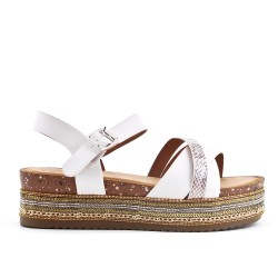 Sandalia blanca de piel sintética con plataforma