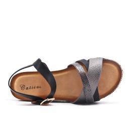 Sandalia de piel imitación negra con plataforma