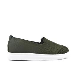 Chaussure verte en textile extensible
