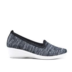 Chaussure noir en textile extensible à petit compensé
