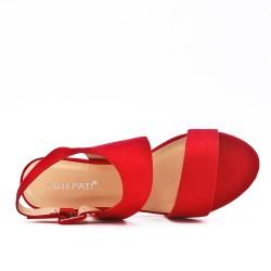 Sandale rouge en simili daim à talon rond