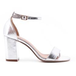 Sandale en vernis argent métallisé à talon