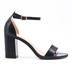 Sandale en vernis noir métallisé à talon