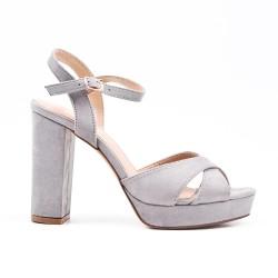 Sandale grise en simili daim à talon