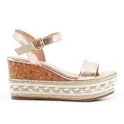 Sandale dorée à talon compensé
