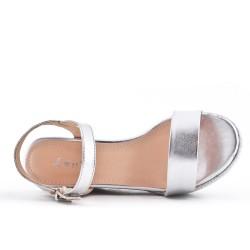Sandale argent à talon compensé