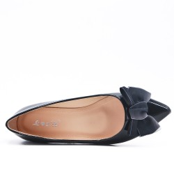 Black patent ballerina with bow