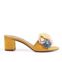 Claquette jaune à fleur