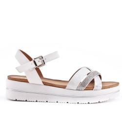 Sandale blanc à bride ornée de strass
