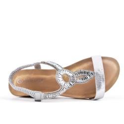 Sandalia plata con cuña pequeña