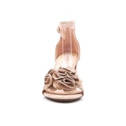 Sandalia baige en gamuza sintética con flor