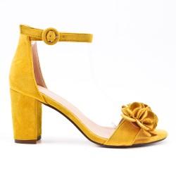 Sandalia amarillo en gamuza sintética con flor
