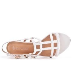 Sandalia blanca en barniz