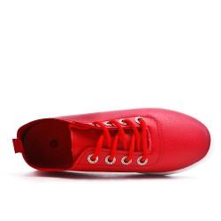 Tennis rouge à lacet