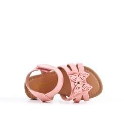 Sandalia niña rosa con estampado de mariposas.