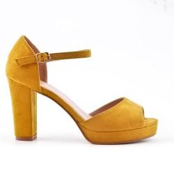 Sandalias de ante amarillo