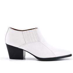 Chaussure blanche à petit talon