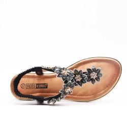 Black flat sandal with flower