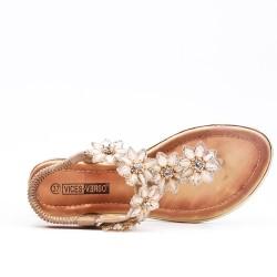 Beige flat sandal with flower