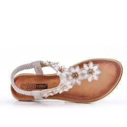 White flat sandal with flower