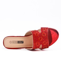 Red slate decorated with rhinestones with heel