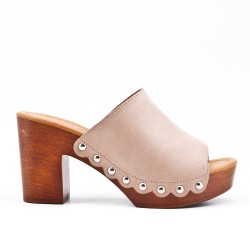 Beige slapper with thick heel