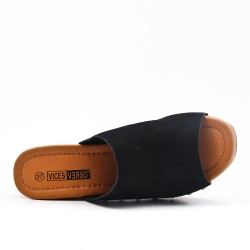 Black slouch with big heel