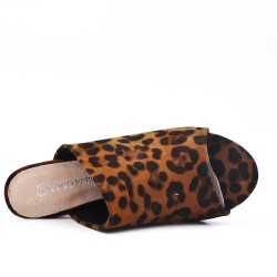 Solapa leopard en gamuza sintética con tacón